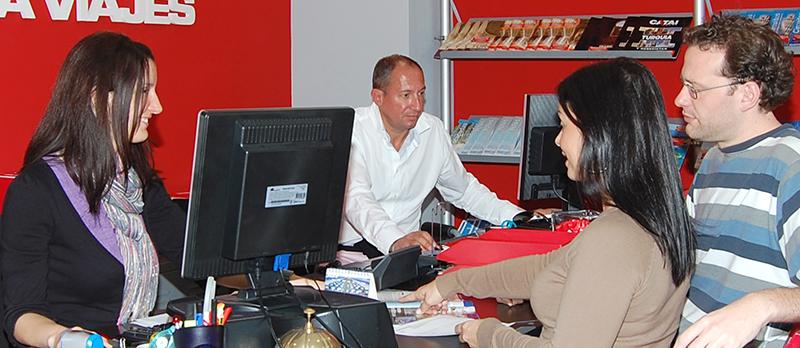 Agencias de Viajes Agencias de Viajes En España existen más de 8.000 agencias que facturan 1,6 millones de media, según Amadeus