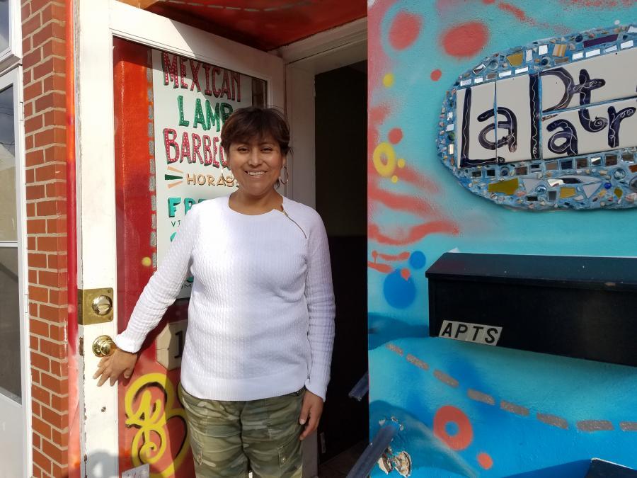 America America La destacada chef indocumentada de Filadelfia, Cristina Martínez, le abre su restaurante a los republicanos