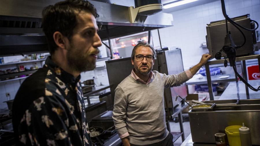 Actualidad Actualidad Paco, el 'Chicote' de la vida real que saca restaurantes de la ruina