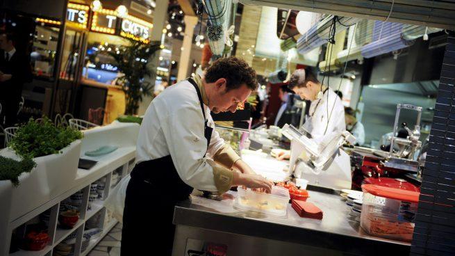 Actualidad Actualidad Los españoles vuelven a los restaurantes y compran menos en los supermercados