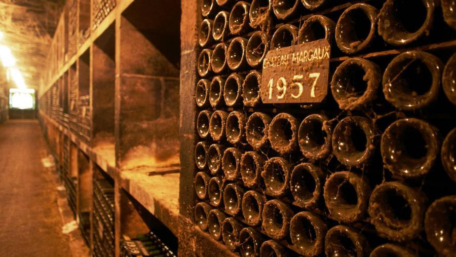 Vinos Vinos De Burdeos a la Toscana o Mendoza en jet privado