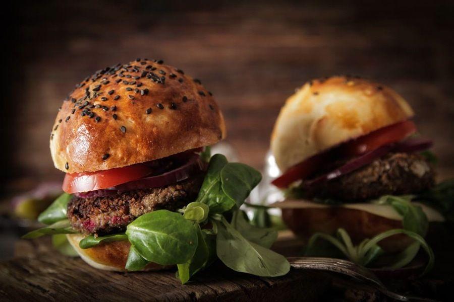 Actualidad Actualidad Italia y Argentina se encuentran en una hamburguesa, en Roma.