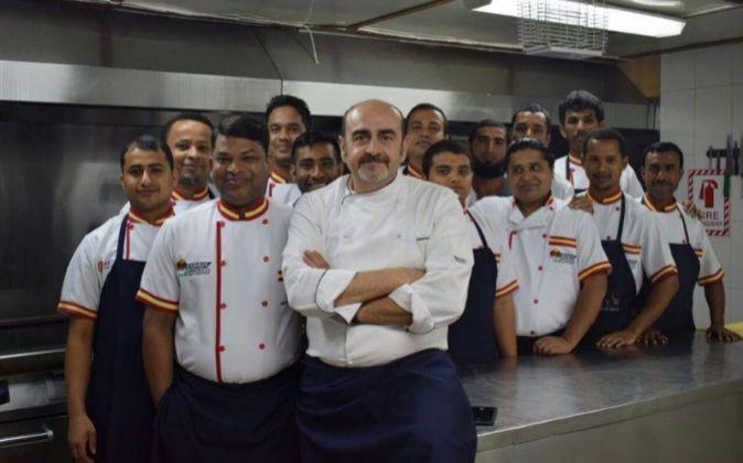 Actualidad Actualidad El chef español que anima a los equipos del AVE a La Meca