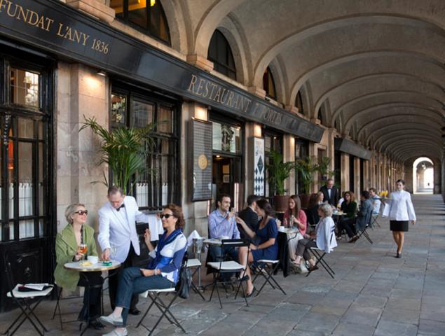 """Actualidad Actualidad """"Ava Gardner ligó aquí"""": los restaurantes centenarios de Barcelona que no se rinden al turista"""