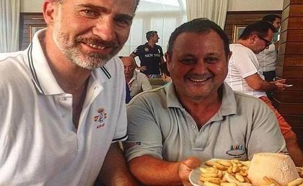 Alimentacion Alimentacion El Rey coge fuerzas con queso asturiano