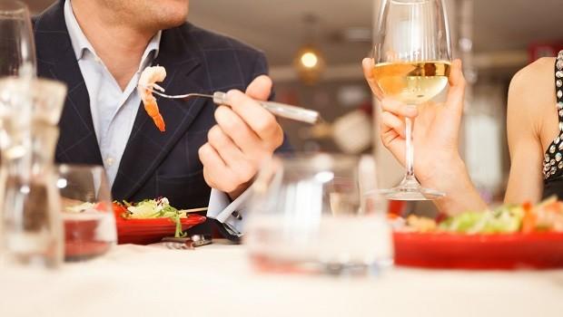 Actualidad Actualidad ¿Qué es lo que más valoran los españoles en un restaurante: calidad de la comida, servicio o precio?