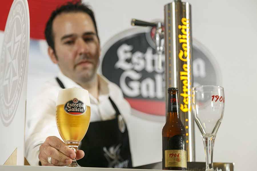 Barman Barman Estrella Galicia busca al Mejor Tirador de Cerveza de Andalucía entre los hosteleros de la comunidad