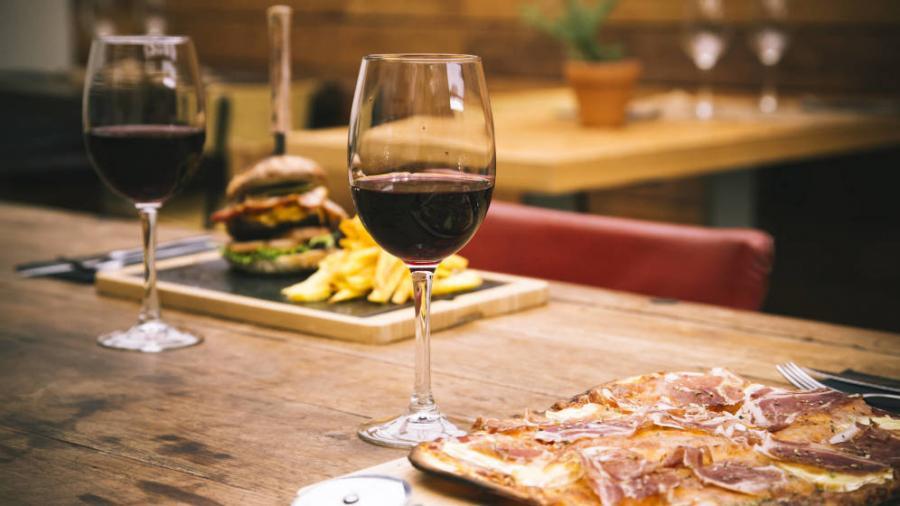 Actualidad Actualidad Los restaurantes secretos y clandestinos que se han puesto de moda en España.